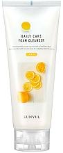 Profumi e cosmetici Schiuma detergente con estratto di limone - Eunyul Daily Care Lemon Foam Cleanser