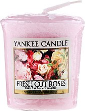 "Profumi e cosmetici Candela profumata ""Rose fresche"" - Yankee Candle Scented Votive Fresh Cut Roses"