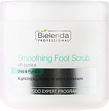 Profumi e cosmetici Scrub piedi - Bielenda Professional Podo Expert Program Smoothing Foot Scrub With Urea and Pumice