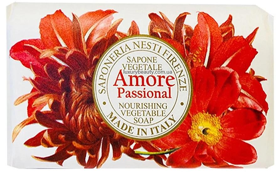 Sapone con aromi esotici di vaniglia, mandorla, arancia e frutti tropicali - Nesti Dante Amore Passional Nourishing Vegetable Soap