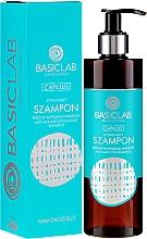 Profumi e cosmetici Shampoo anti-caduta - BasicLab Dermocosmetics Capillus Anti Hair Loss Stimulating Shampoo