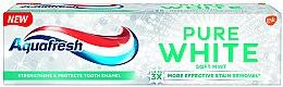 Profumi e cosmetici Dentifricio sbiancante - Aquafresh Pure White Soft Mint