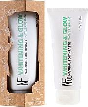 Profumi e cosmetici Dentifricio sbiancante naturale - The Natural Family Co Whitening Toothpaste