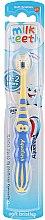 Profumi e cosmetici Spazzolino per bambini 0-2 anni ''Il mio primo dentino'', giallo-blu - Aquafresh Milk Teeth