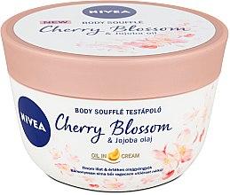 Profumi e cosmetici Soufflé corpo con ciliegia e olio di jojoba - Nivea Body Souffle Cherry Blossom & Jojoba Oil