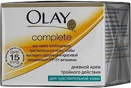 Profumi e cosmetici Crema da giorno a tripla azione per pelli sensibili - Olay Complete Day Cream
