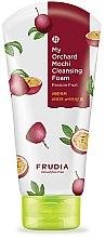 Profumi e cosmetici Schiuma detergente al frutto della passione - Frudia My Orchard Passion Fruit Mochi Cleansing Foam