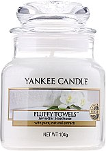 Profumi e cosmetici Candela profumata in vetro - Yankee Candle Fluffy Towels