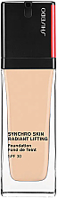 Profumi e cosmetici Fondotinta a lunga tenuta - Shiseido Synchro Skin Radiant Lifting Foundation SPF 30