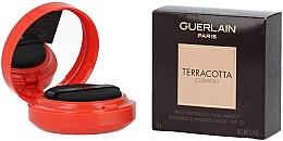 Profumi e cosmetici Cushion abbronzante - Guerlain Terracotta Cushion Fresh Bronzing Fluid Makeup SPF 20