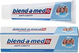 """Profumi e cosmetici Dentifricio """"Anti-carie"""" per tutta la famiglia - Blend-a-med Anti-Cavity Family Protect Toothpaste"""