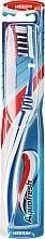 Profumi e cosmetici Spazzolino medio duro, bianco-blu - Aquafresh Clean Deep Medium