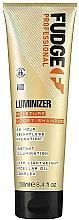 Profumi e cosmetici Shampoo idratante per capelli colorati e danneggiati - Fudge Luminizer Moisture Boost Shampoo