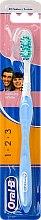 Profumi e cosmetici Spazzolino da denti, azzurro - Oral-B 1 2 3 Delicat White 40 Medium
