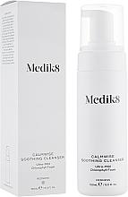Profumi e cosmetici Schiuma detergente per pelli sensibili - Medik8 Calmwise Soothing Cleanser