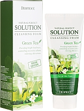 Profumi e cosmetici Schiuma detergente viso con tè verde - Deoproce Natural Perfect Solution Cleansing Foam Green Tea