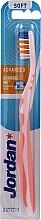 Profumi e cosmetici Spazzolino da denti morbido Advanced, senza cappuccio, rosa chiaro - Jordan Advanced Soft Toothbrush