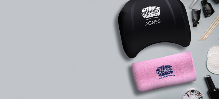 Acquistando le lampade promozionali Ronney Profesional, riceverai un poggiabraccio per manicure a tua scelta