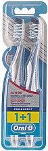 """Profumi e cosmetici Set spazzolini da denti """"Pulizia extra, tutto in uno"""", 40 media durezza, grigio + blu - Oral-B Pro-Expert CrossAction All in One"""