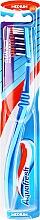 Profumi e cosmetici Spazzolino da denti, medio-duro, blu-azzuro - Aquafresh Clean Deep Medium