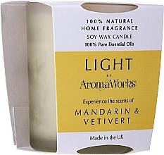 "Profumi e cosmetici Candela profumata ""Mandarino e vetiver"" - AromaWorks Light Range Mandarin & Vetivert Candle"
