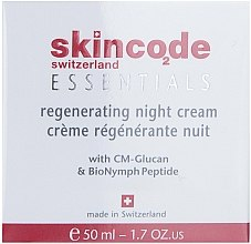 Profumi e cosmetici Crema rigenerante di notte - Skincode Essentials Regenerating Night Cream