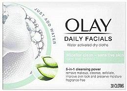 Profumi e cosmetici Salviette asciutte attivate con acqua per pelli sensibili - Olay Cleanse Daily Facials Cloths Sensitive