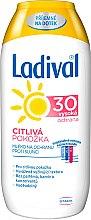 Profumi e cosmetici Latte solare per pelli sensibili SPF 30 - Ladival Sensitive Milk