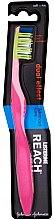 Profumi e cosmetici Spazzolino da denti, morbido, rosa - Listerine Reach Dual Effect Soft