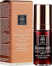 Profumi e cosmetici Siero per la cura completa della pelle antietà - Apivita Queen Bee Holistic Age Defense Serum
